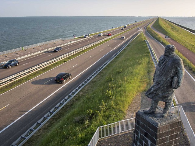 "Project financing with LBBW: The ""Afsluitdijk"" dam protects the Netherlands better against storm surges"
