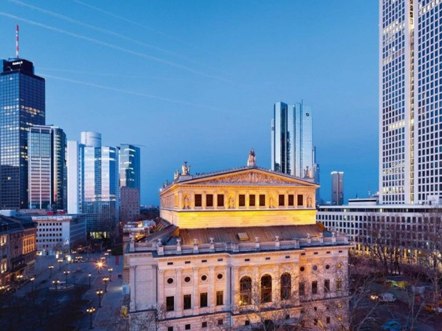Commercial real estate financing with LBBW: the Opernturm in Frankfurt's West End