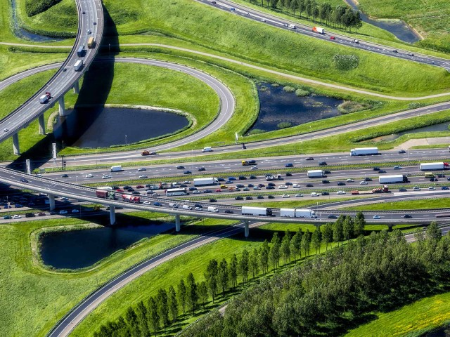 Project financing with LBBW: View of a model of the A16 motorway near Rotterdam